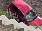 Félresiklott, patakban landolt egy autó Újfehértó közelében - szon.hu