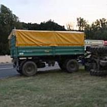 Felborult egy traktor Sóstóhegyen