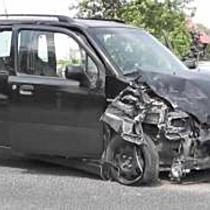 Patakmederbe zuhant a karambol után az autó Baktalórántházánál - szon.hu