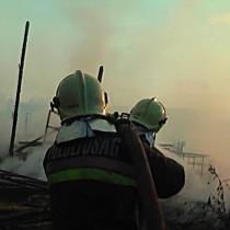Mezőgazdasági épületek égtek Kállósemjénben, több milliós a kár - szon.hu
