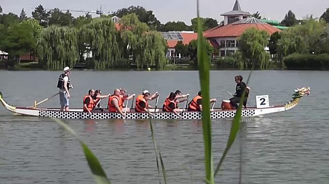 Sárkányhajó verseny Sóstón - szon.hu