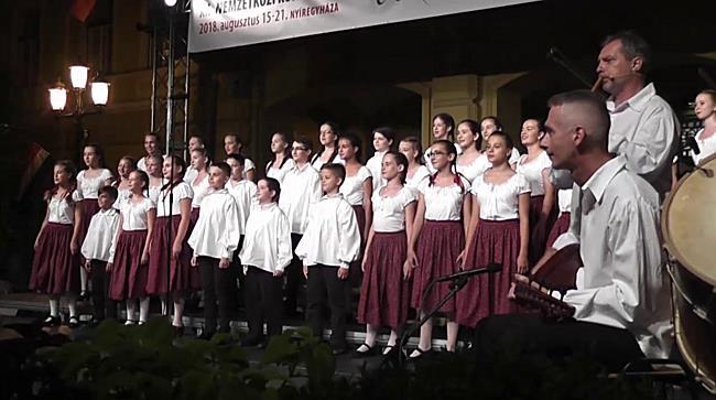 Rutafa Kórus - szon.hu
