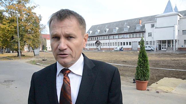 Lerakták a parkolóház alapkövét II. - szon.hu