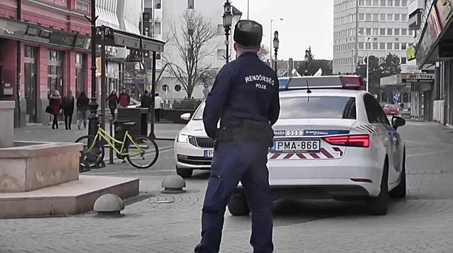 Rendőrségi intézkedés Nyíregyháza belvárosában  - szon.hu