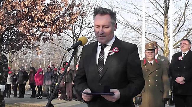 Koszorúzás Kemecsén - Papcsák Ferenc, díszpolgár